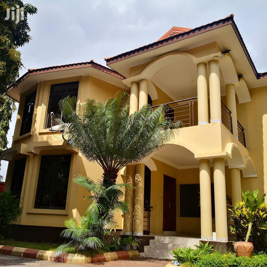4 Bedroom Standalone Villa + Pool+ Servant Quarter for Lease