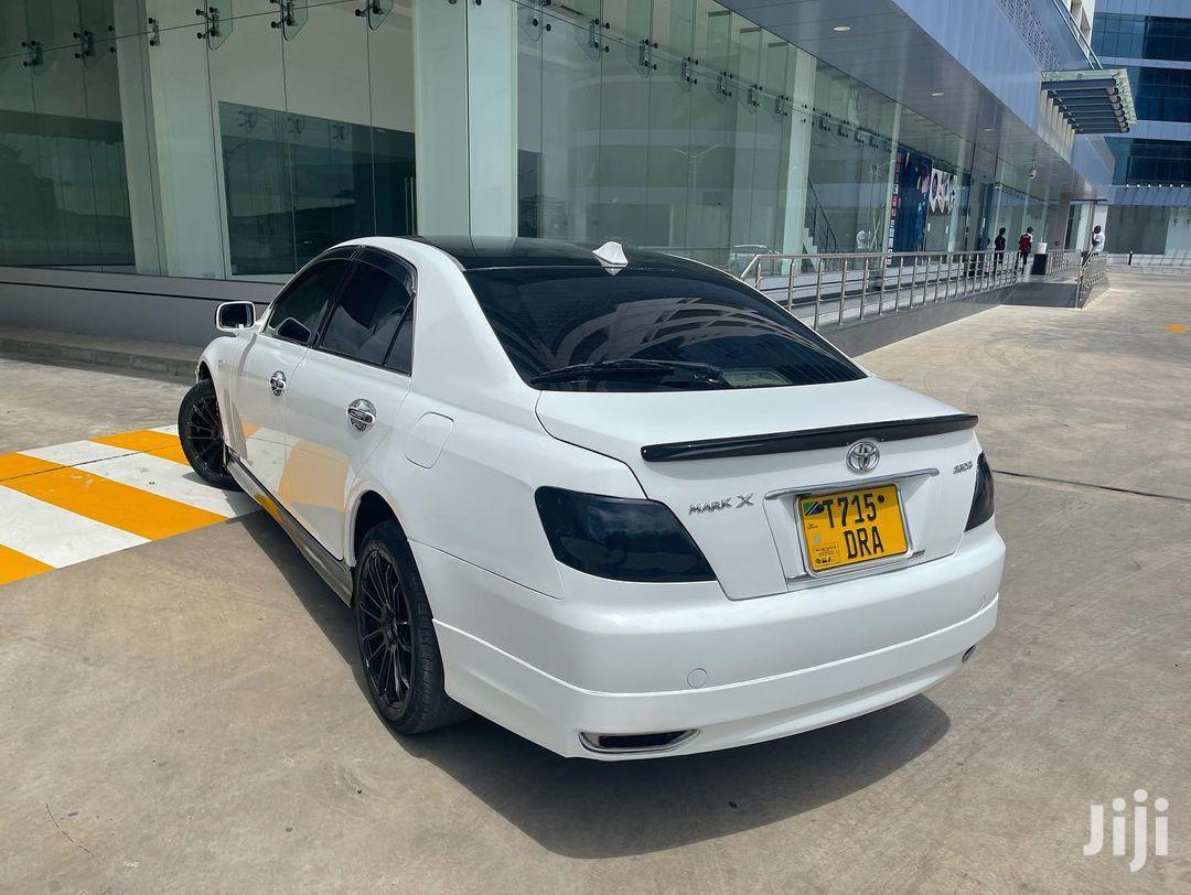 Archive: New Toyota Mark X 2005 White