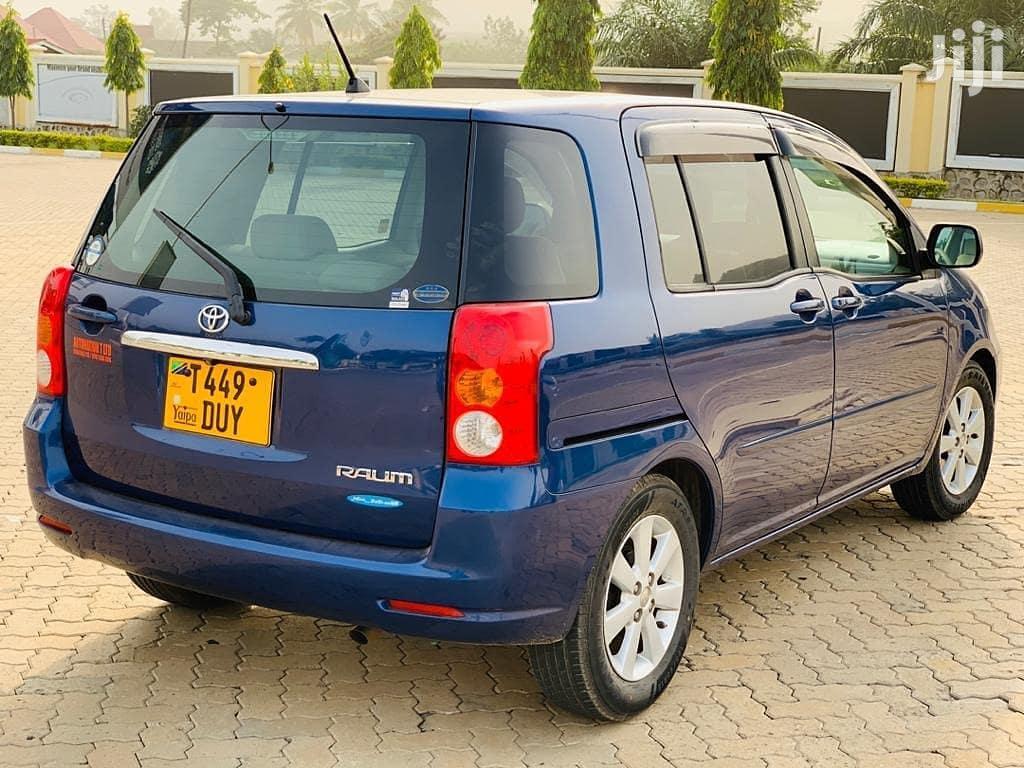 Archive: Toyota Raum 2003 Blue