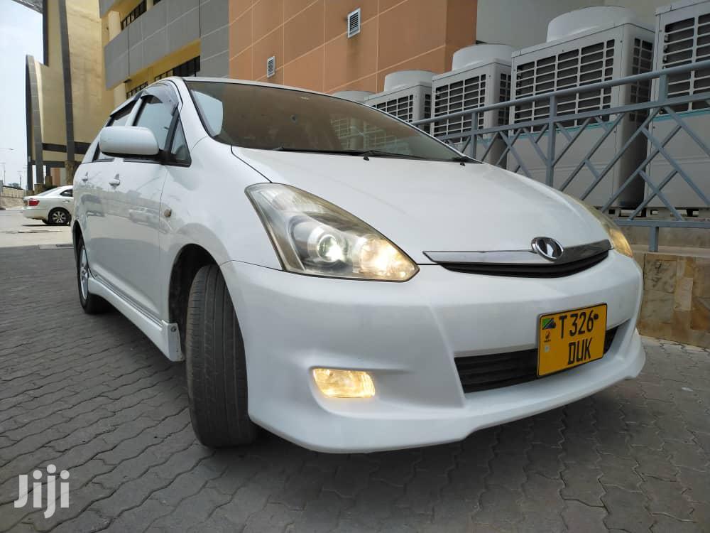 Archive: Toyota Wish 2004 White