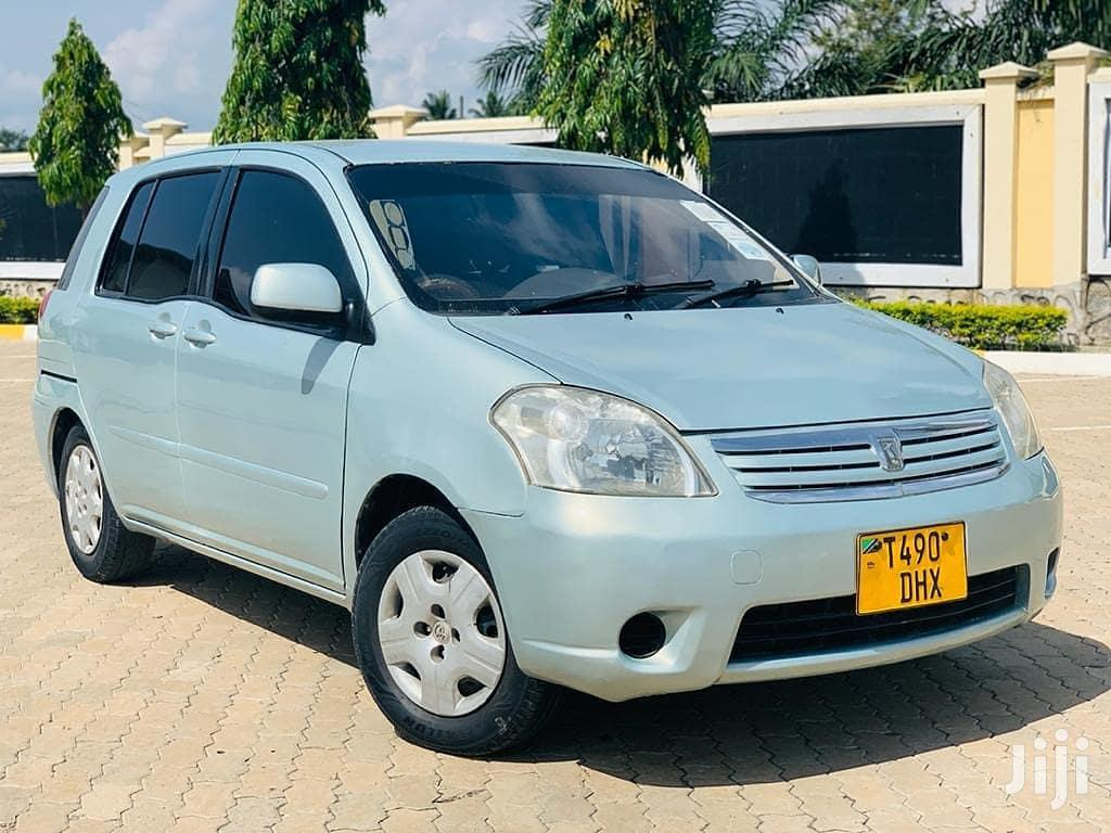 Archive: Toyota Raum 2003 Beige