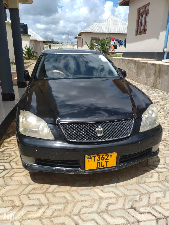 Archive: Toyota Crown 2004 Black