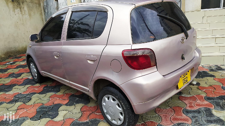 Archive: Toyota Vitz 2000 Pink