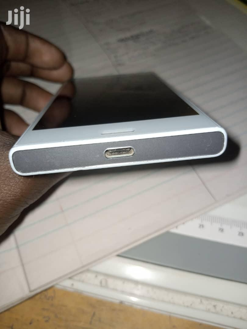 Archive: Sony Xperia XZ 32 GB White
