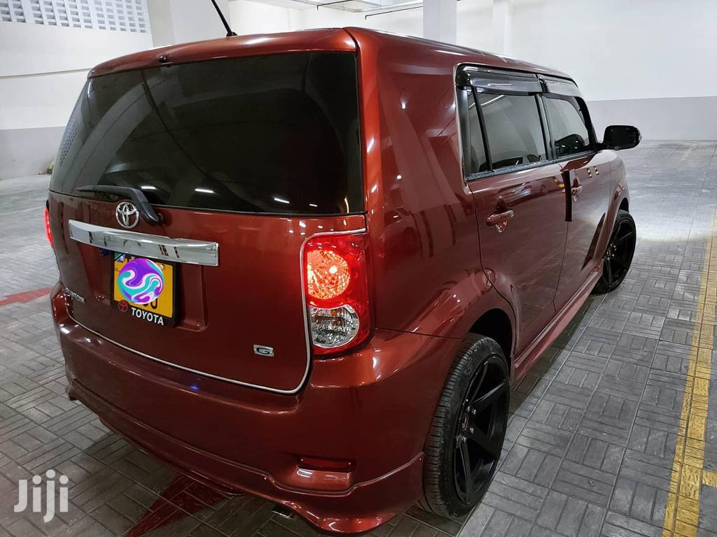 Archive: Toyota Corolla Rumion 2008 Orange