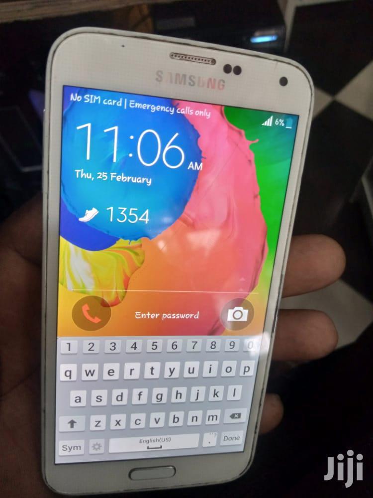 Archive: Samsung Galaxy S5 32 GB White