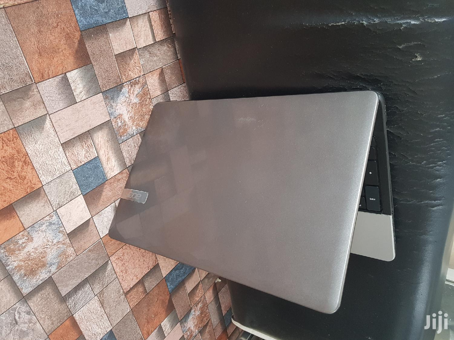 Laptop Acer AS5755 4GB Intel Core 2 Duo HDD 500GB