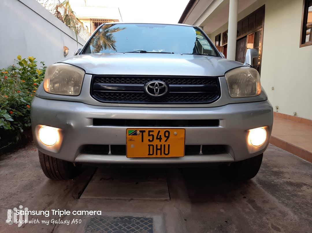Archive: Toyota RAV4 2004 Automatic Silver