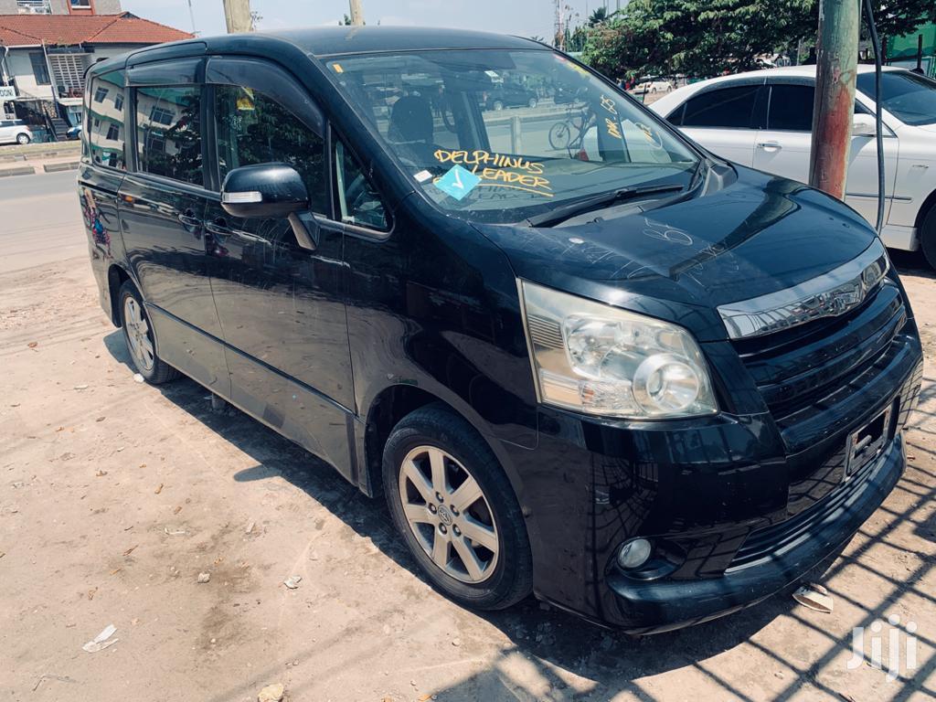 Archive: New Toyota Noah 2007 Black