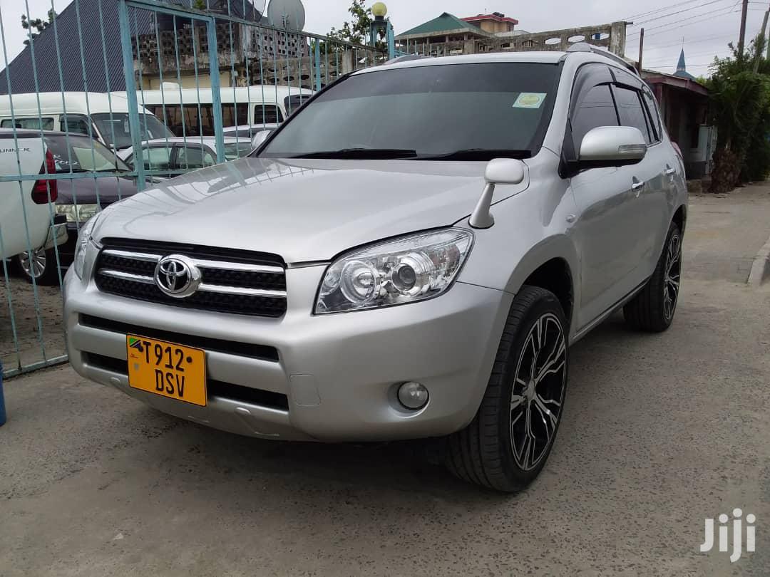 Toyota RAV4 2005 Silver | Cars for sale in Kinondoni, Dar es Salaam, Tanzania
