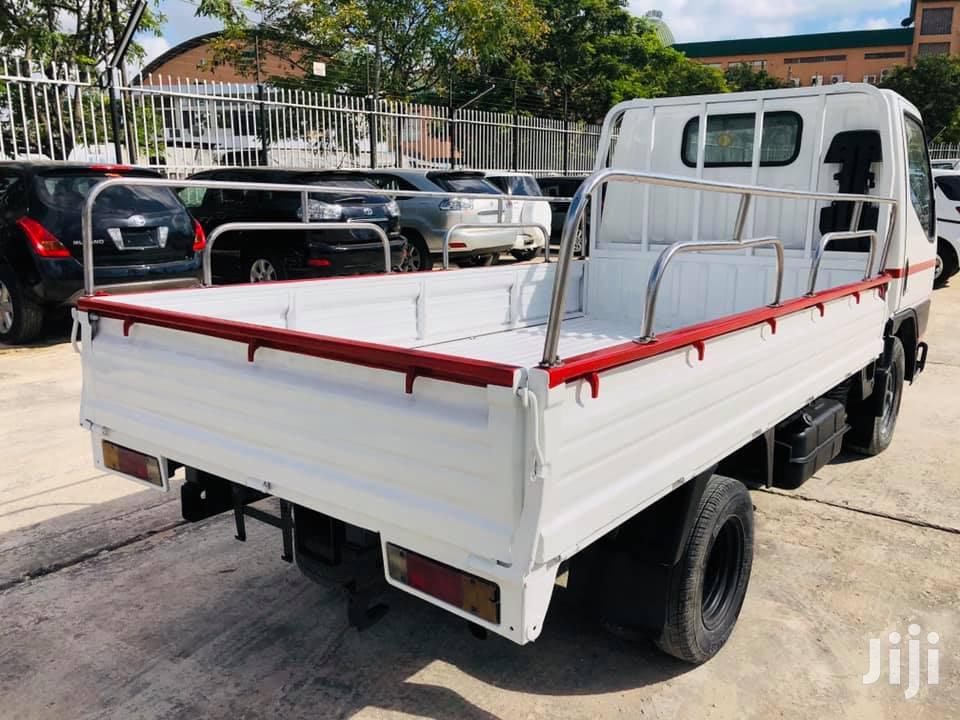 Archive: Mitsubishi Canter Fb511 Model Truck.