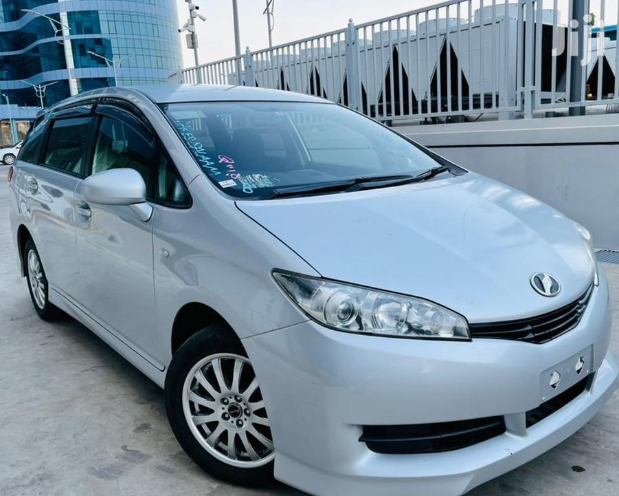 Toyota Wish 2010 Silver