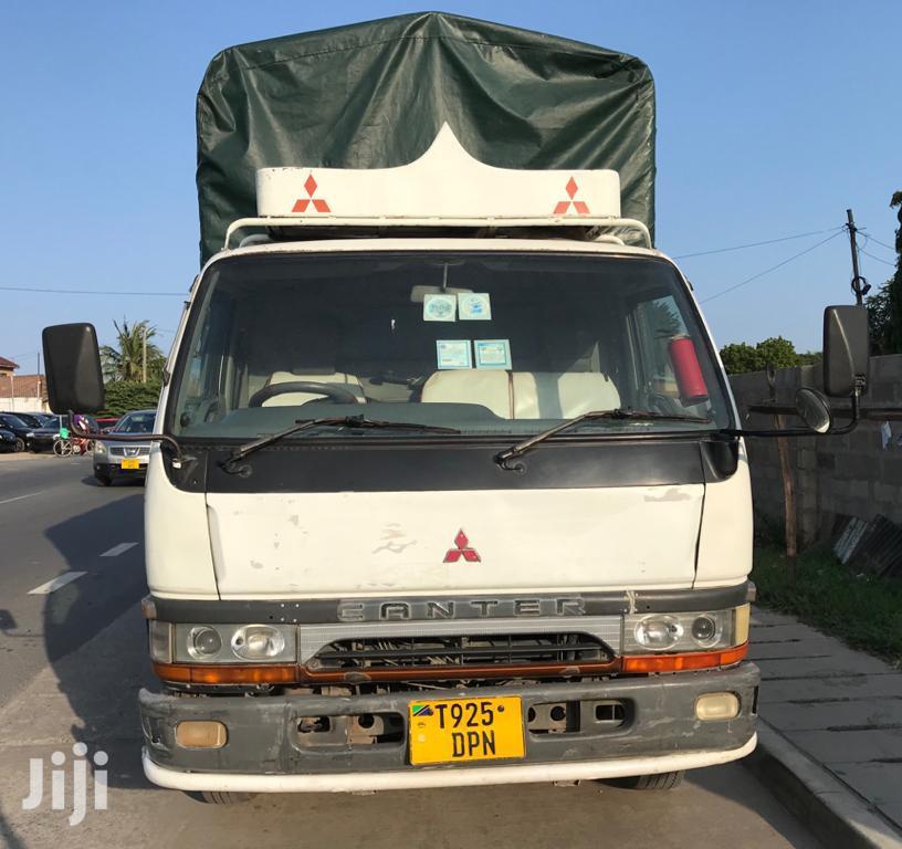 Mitsubishi Canter Truck Tan 3.5 Nzuri Sana
