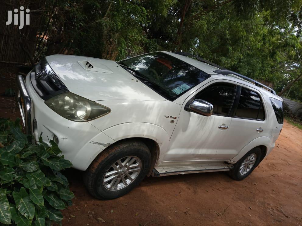 Toyota Fortuner 2007 3.0 D-4d 4x4 White | Cars for sale in Kahama Urban, Shinyanga Region, Tanzania