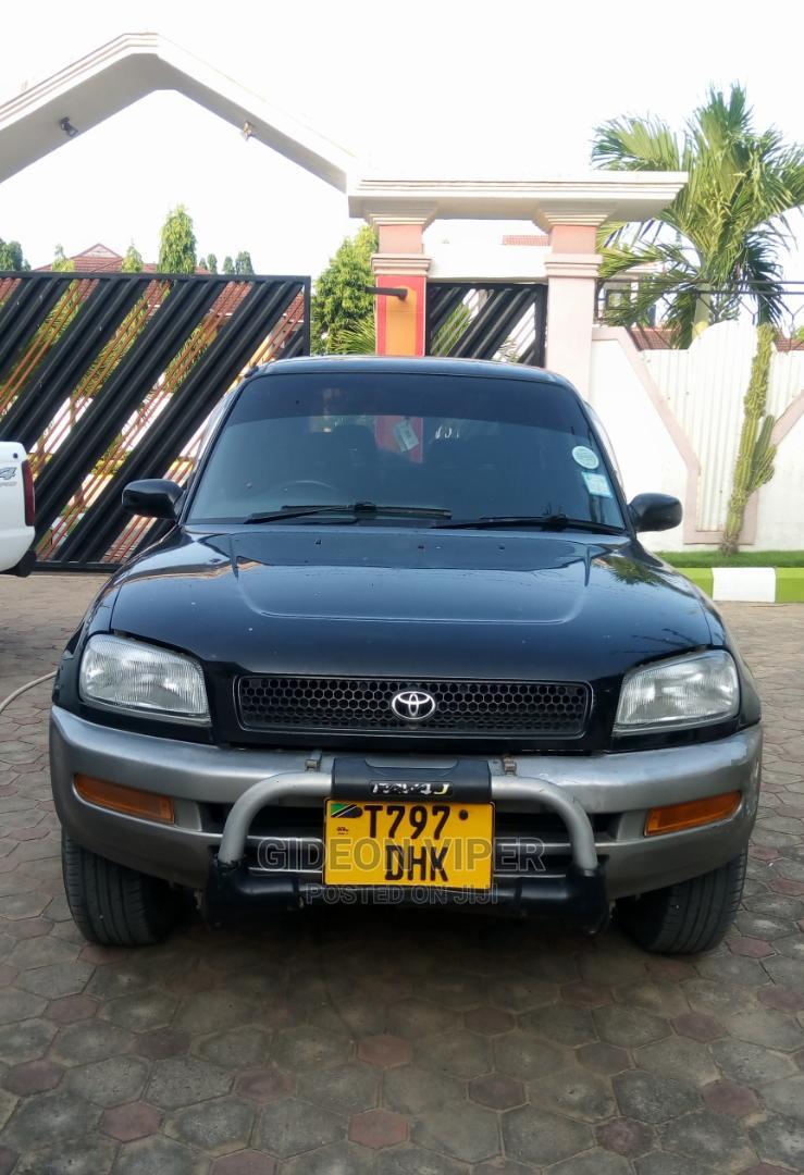 Archive: Toyota RAV4 2002 Automatic Black
