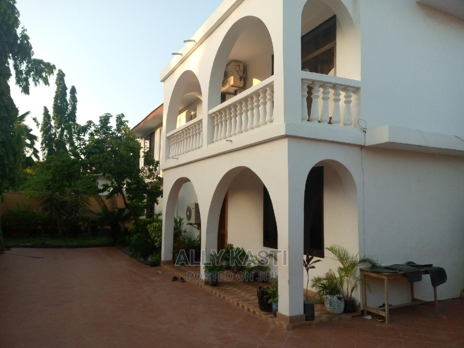 6bedrooms House for Rent at Mikocheni A.
