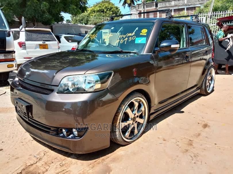 Toyota Corolla Rumion 2008 Brown