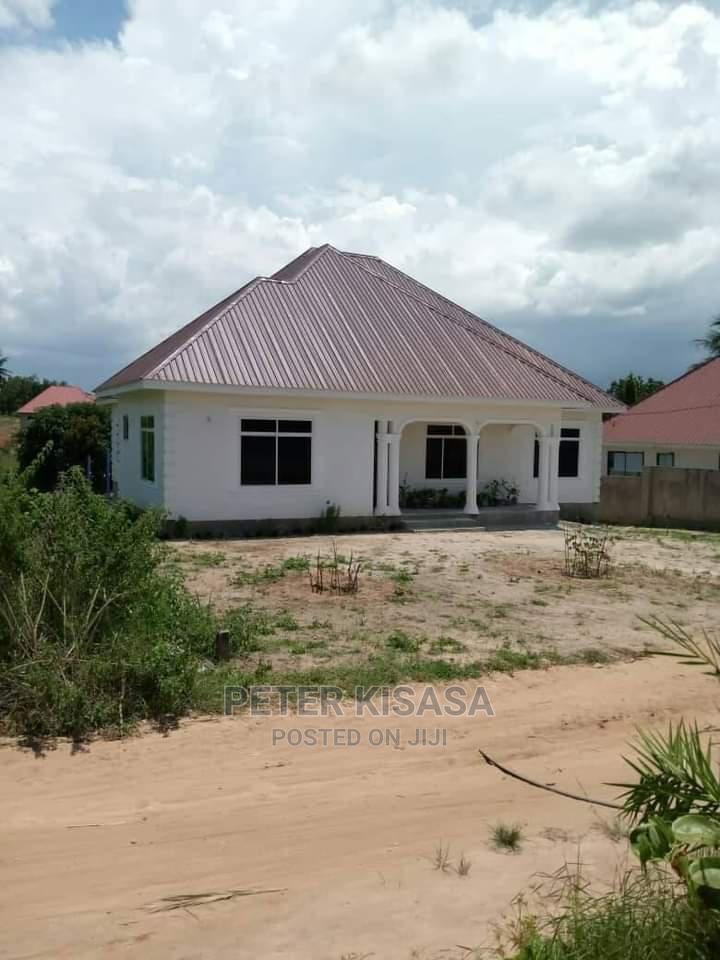 Viwanja Vizuri Vinauzwa Milion Tatu Kigamboni | Land & Plots For Sale for sale in Somangira, Temeke, Tanzania