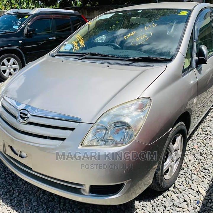 Toyota Corolla Spacio 2006 Gold