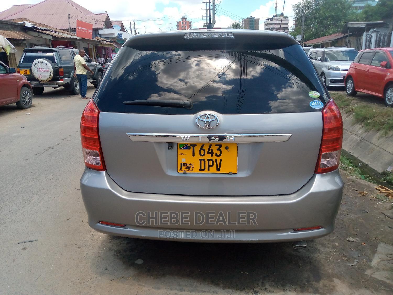 Toyota Wish 2004 Gold   Cars for sale in Kinondoni, Dar es Salaam, Tanzania