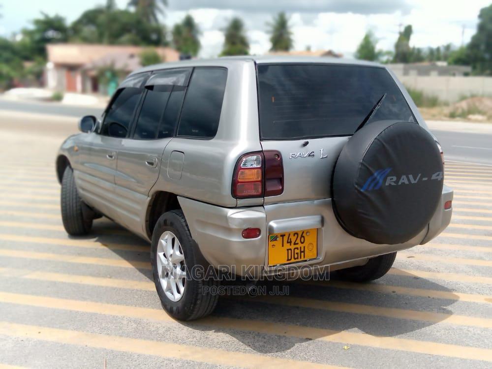 Archive: Toyota RAV4 1998 Silver