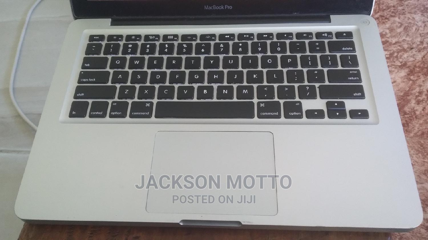 Archive: Laptop Apple MacBook 2011 6GB Intel Core I5 HDD 500GB