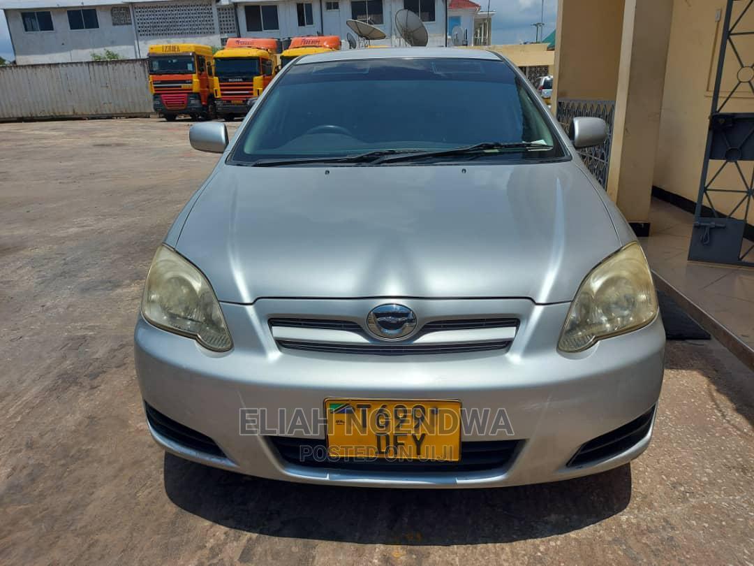 Archive: Toyota Corolla RunX 2005 Silver