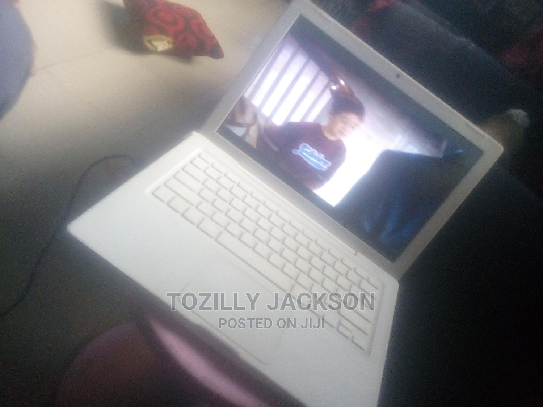 Archive: Laptop Apple MacBook 4GB Intel Core 2 Duo HDD 350GB