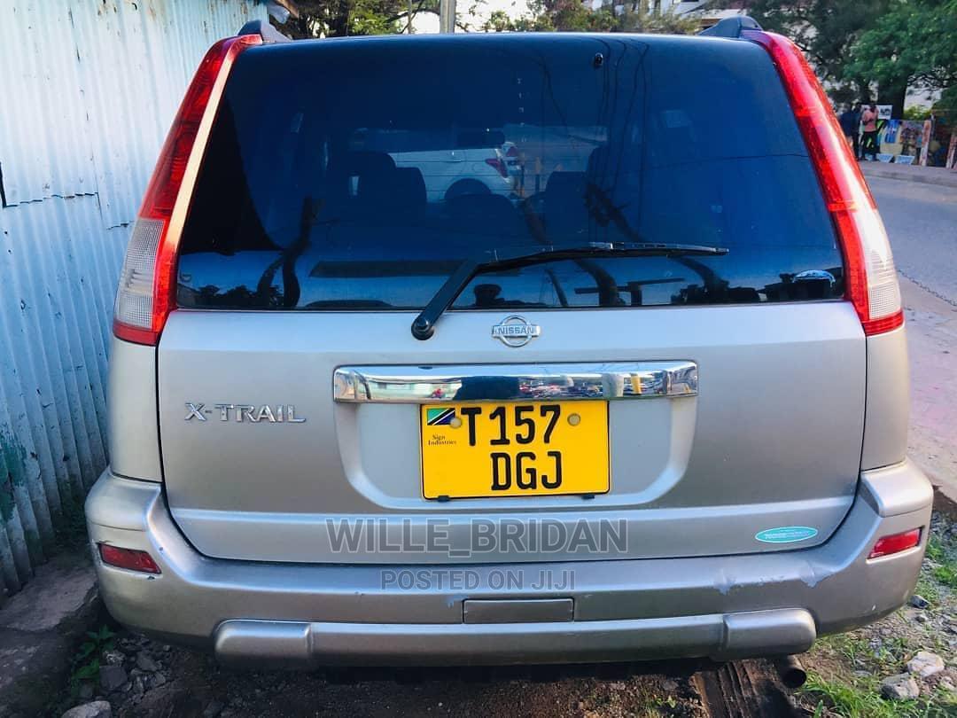 Archive: Nissan X-Trail 2001 Beige