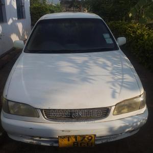 Toyota Corolla 2000 Liftback White | Cars for sale in Manyara Region, Babati Urban