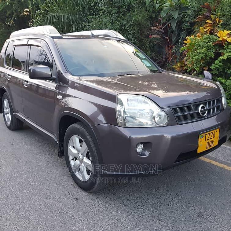 Archive: Nissan X-Trail 2009 2.5 Petrol 4x4 SE Gray