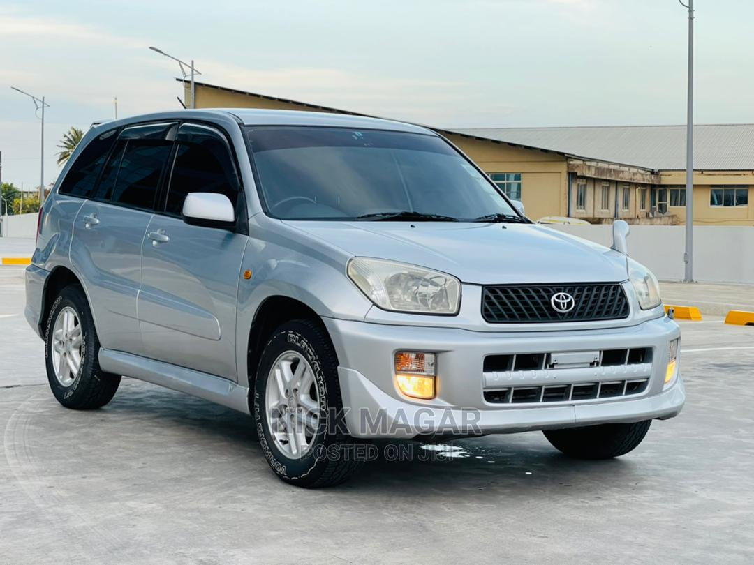 Archive: Toyota RAV4 2002 Automatic Silver