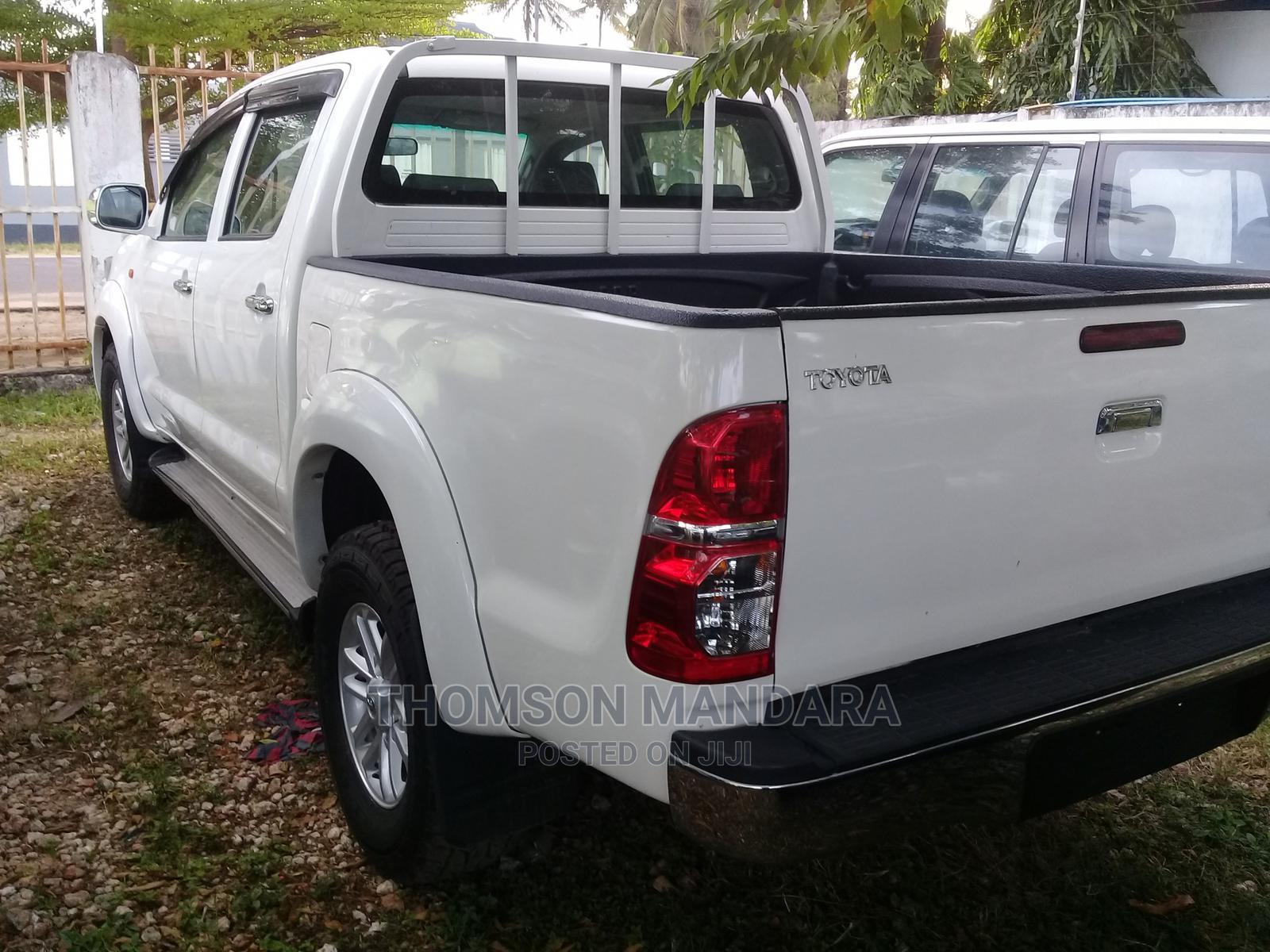 Toyota Hilux 2012 White | Cars for sale in Kinondoni, Dar es Salaam, Tanzania