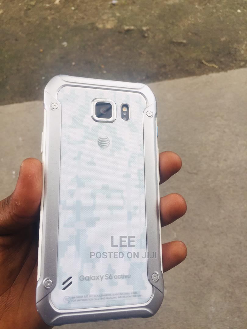 Archive: Samsung Galaxy S6 active 32 GB White