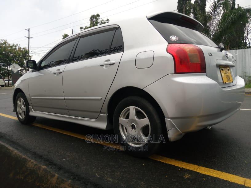 Archive: Toyota Corolla RunX 2004 Silver
