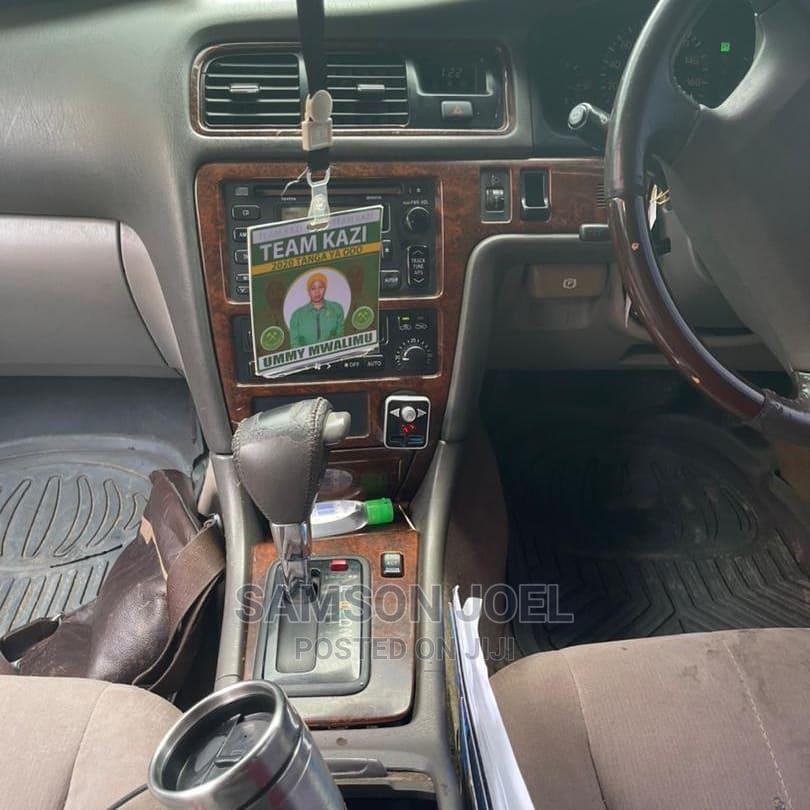 Archive: Toyota Cresta 2002 Brown
