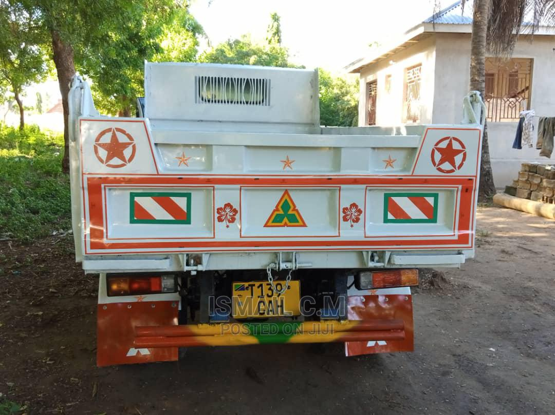 Archive: Mitsubishi Canter Truck 2004