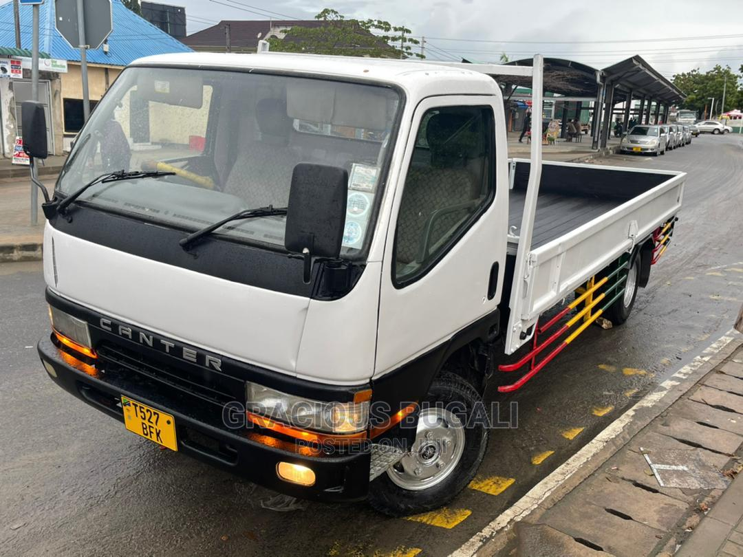 Archive: Mitsubishi Canter 1997 White