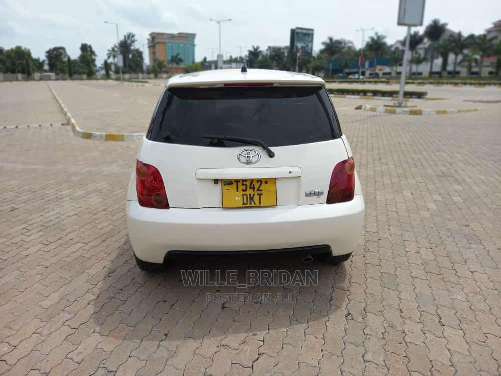 Archive: Toyota IST 2003 White