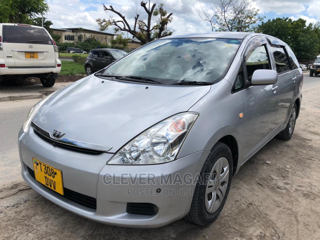 Toyota Wish 2003 Silver