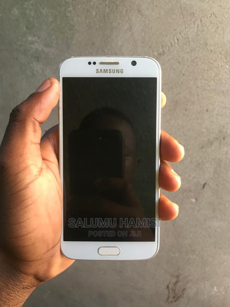 Archive: Samsung Galaxy S6 32 GB White