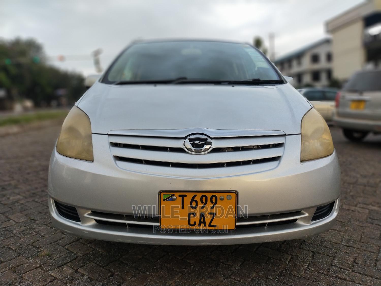 Archive: Toyota Corolla Spacio 2003 Beige