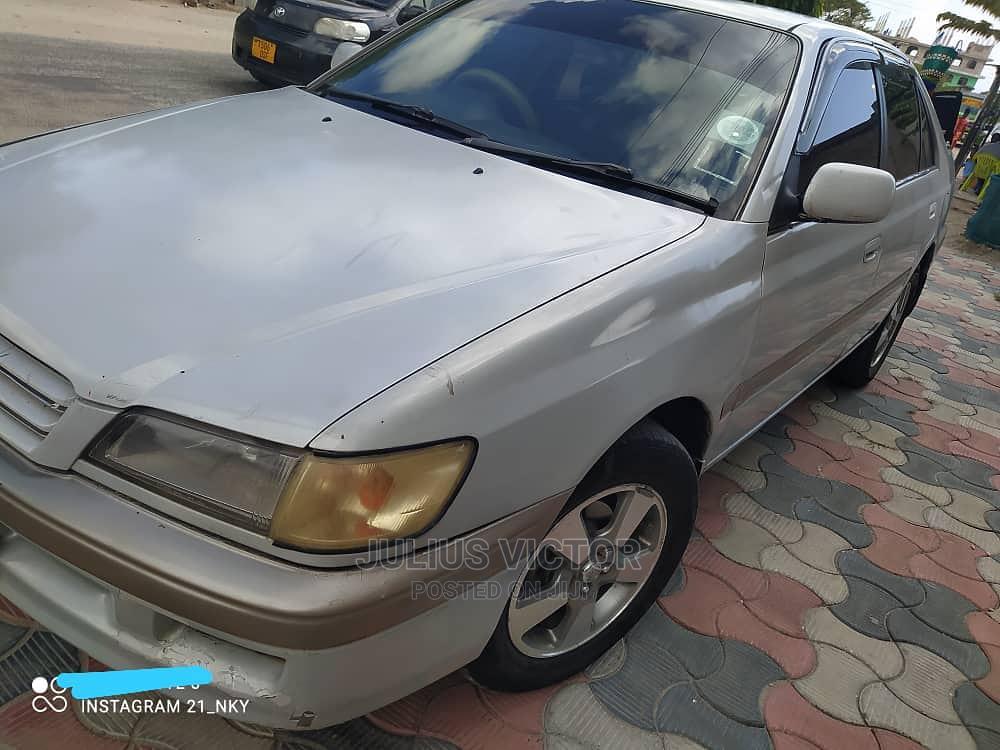 Toyota Premio 2000 Silver | Cars for sale in Kinondoni, Dar es Salaam, Tanzania
