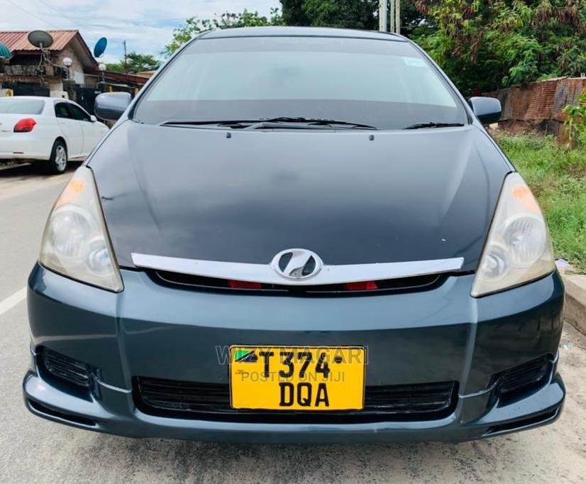 Toyota Wish 2005 Gray