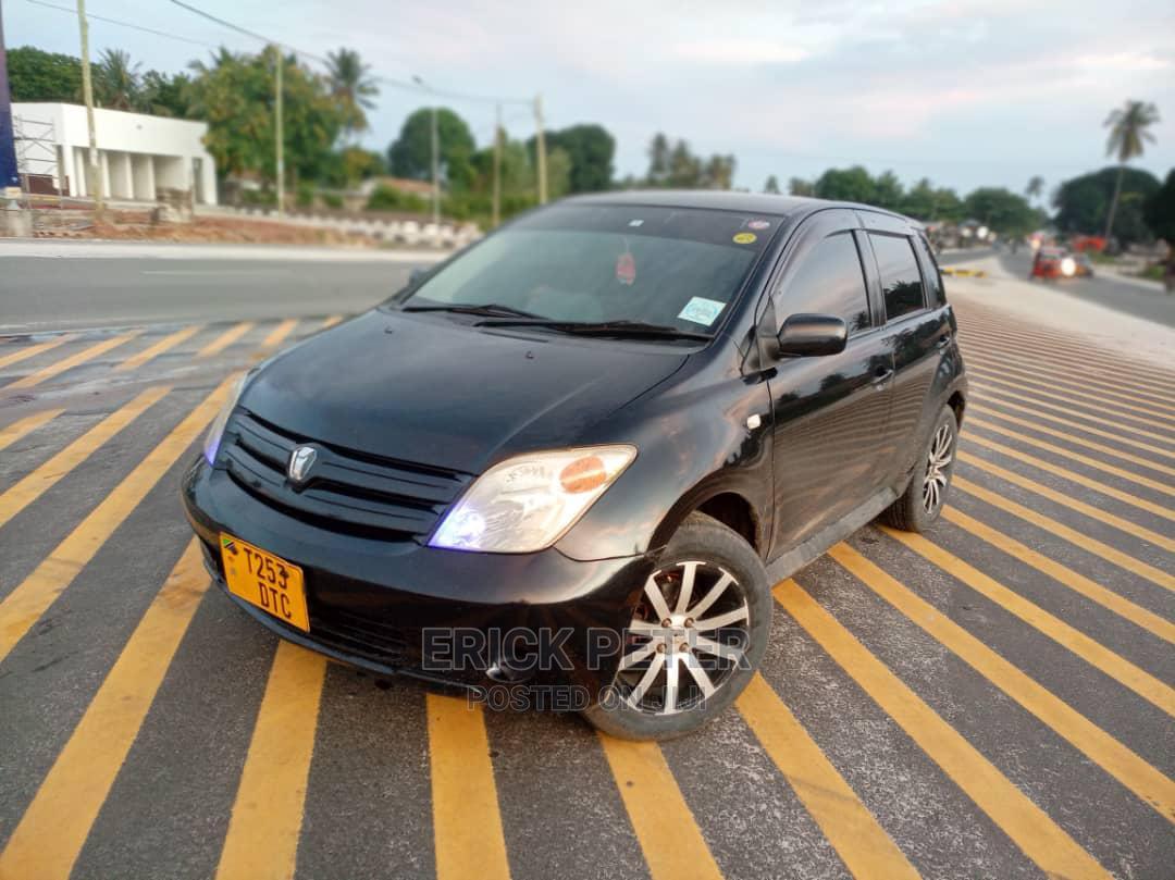 Toyota IST 2004 Black