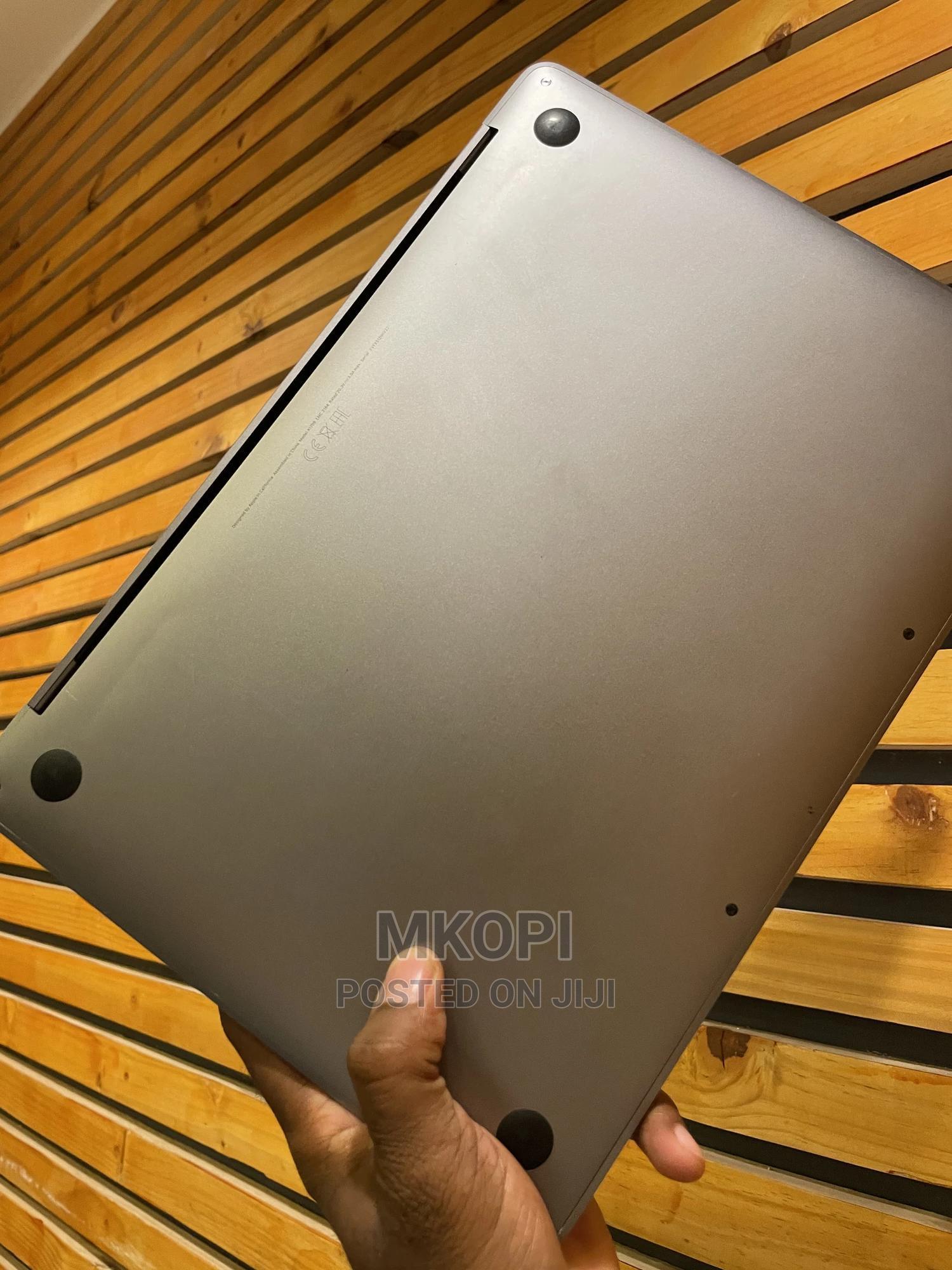 Laptop Apple MacBook Pro 2017 8GB Intel Core I5 SSD 256GB | Laptops & Computers for sale in Kinondoni, Dar es Salaam, Tanzania